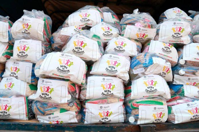 mildespensas 696x464 - Universitarios donan mil despensas para apoyar en contingencia sanitaria