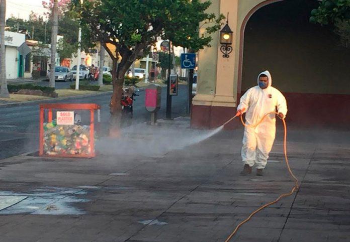 sinitacionvilla 696x482 - Esta semana concluiremos sanitización de todos los jardines de 114 colonias: Felipe Cruz