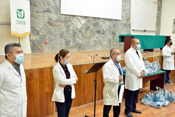 ucolmedico 696x465 - Continúa protegiendo UdeC salud de sus pasantes de Medicina