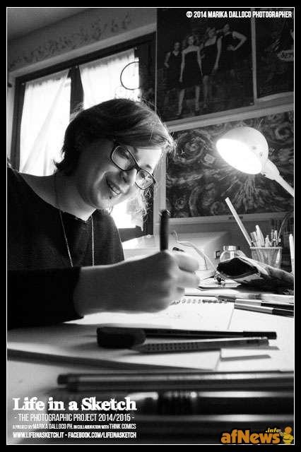 Beatrice Bovo nel suo studio per il progetto Life in a Sketch