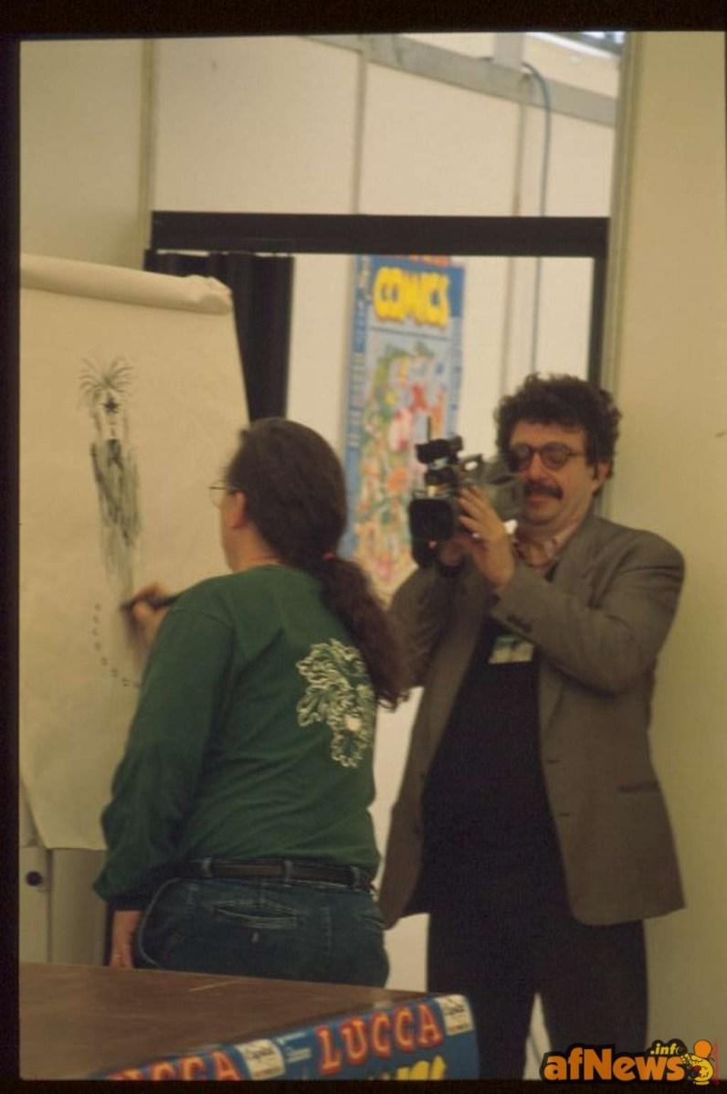 Chi filma per l'Anonima Fumetti è il regista Enrico Carlesi