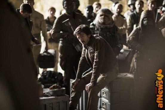 Rogue One: A Star Wars Story..Diego Luna (Cassian Andor) . ..Ph: Jonathan Olley..©Lucasfilm LFL 2016.