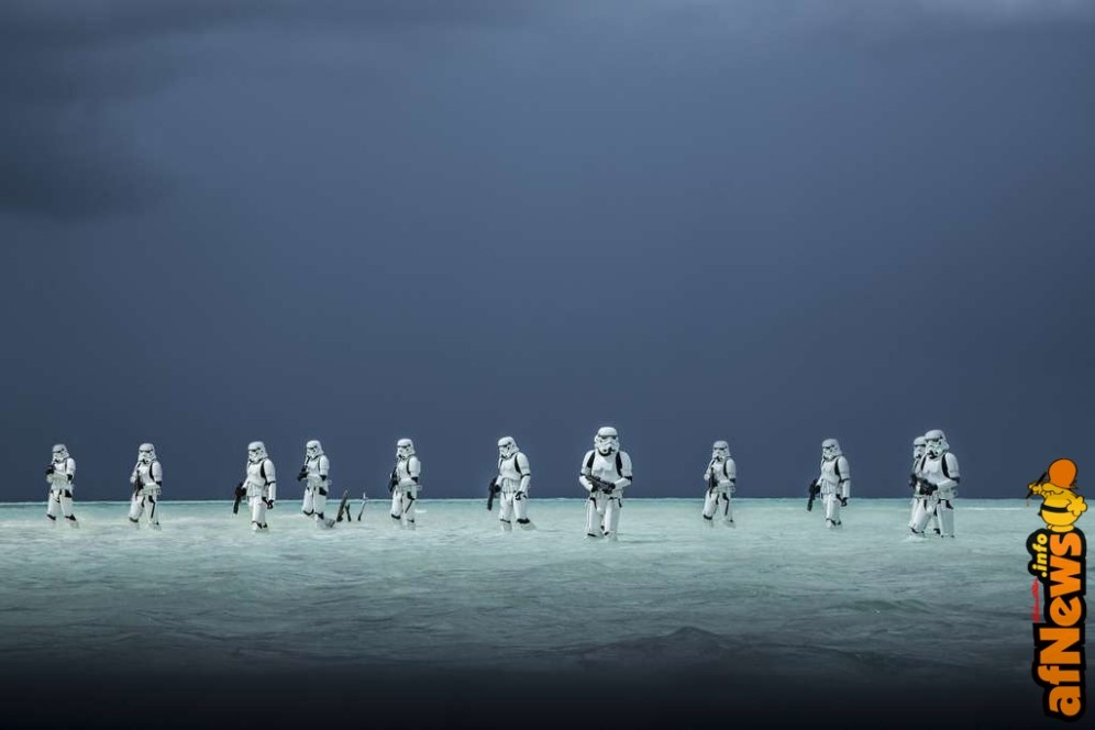 Rogue One: A Star Wars Story Stormtroopers Ph: Jonathan Olley ©Lucasfilm LFL 2016.