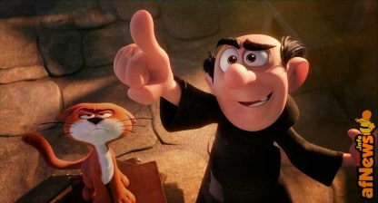 Azrael the Cat and Gargamel (Rainn Wilson) in Columbia Pictures and Sony Pictures Animation's SMURFS: THE LOST VILLAGE.