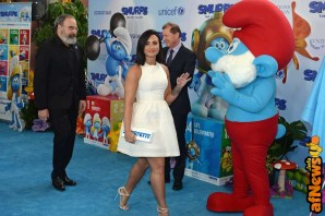 NEW YORK, NY - MARCH 18: Actors Mandy Patinkin (L) and Demi Lovato (C) at the United Nations Headquarters celebrating International Day of Happiness in conjunction with SMURFS: THE LOST VILLAGE on March 18, 2017 in New York City. (Photo by Andrew Toth/Getty Images for Sony Pictures)