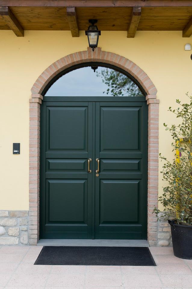 Porte da esterno e portoncini  AFontana  Serramenti e infissi in alluminio e legno per la casa lindustria e lallevamento