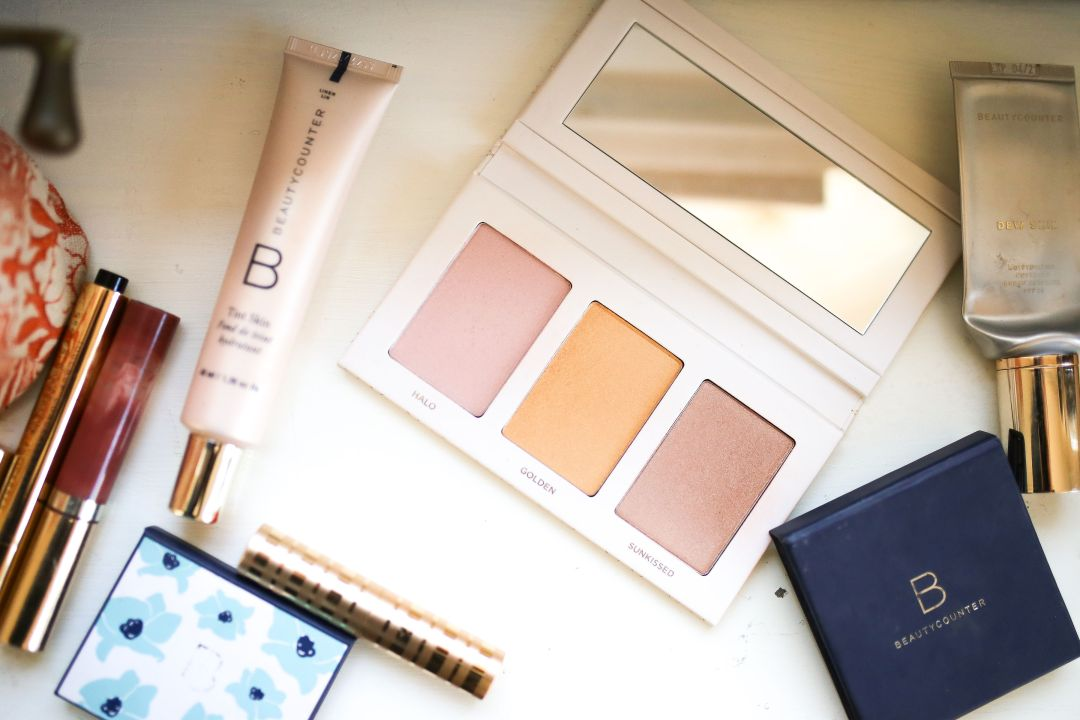 beautycounter highlighter palette