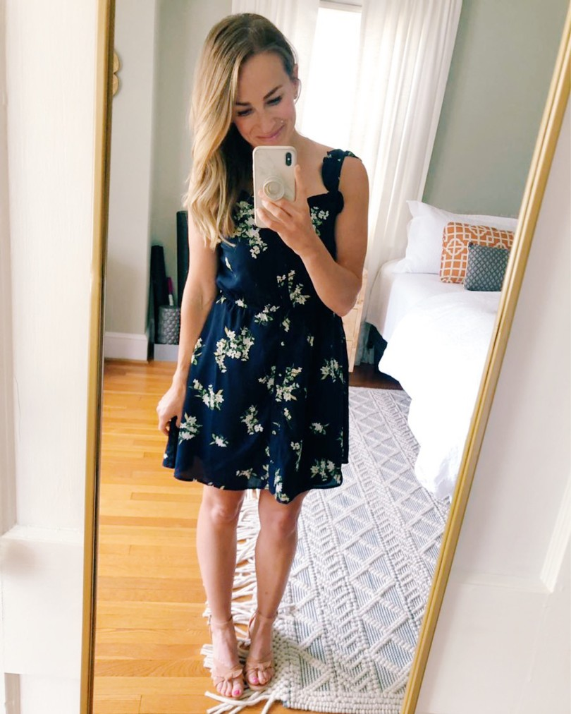 short girl fashion blog
