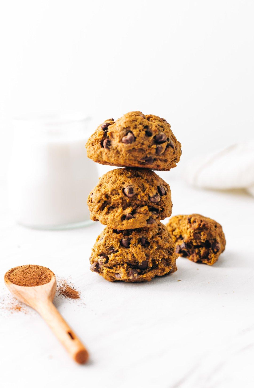healthy pumpkin chocolate chip cookie