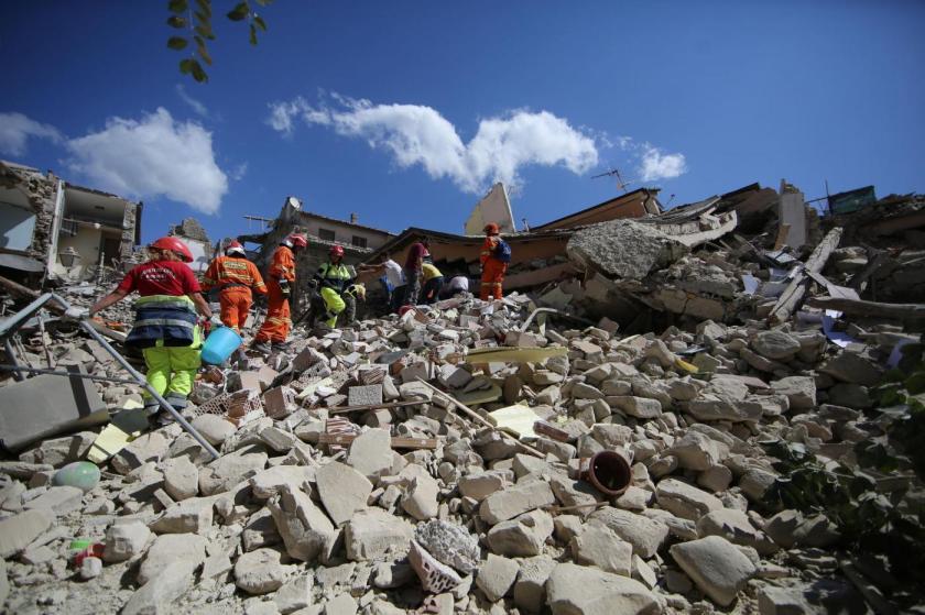 Terremoto e migranti: canzone quasi d'amore