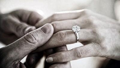 Perché al fidanzamento si regala un diamante