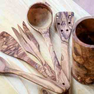 Handcrafted Olive Wood Utensil Set from Beldinest Review