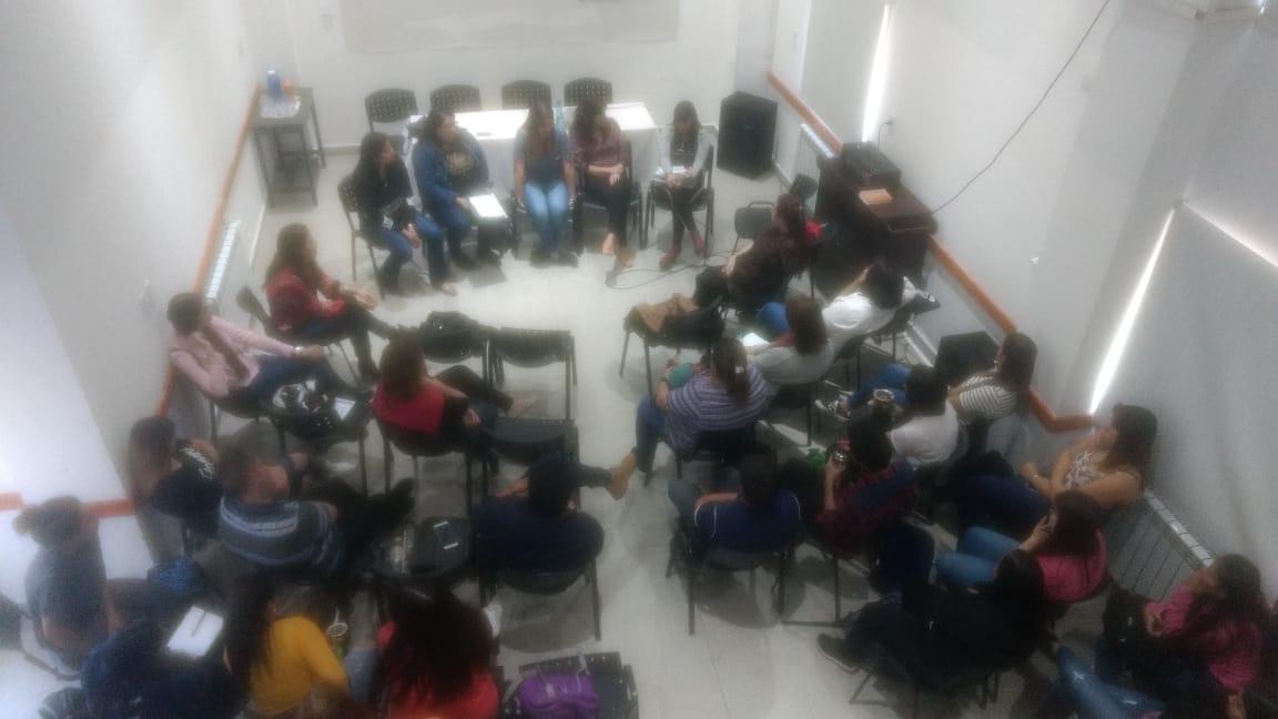 Panel sobre el rol profesional del Técnico Superior en Familia,Niñez y Adolescencia en Situación de Riesgo.