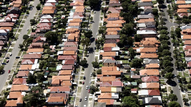 Australians are getting smarter at paying down their $1.5 trillion worth of outstanding home mortgages.