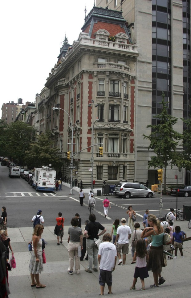 In August 2005, the Duke-Semans mansion at 1009 5th Avenue in New York was put up for sale for $US50 million. At the ...