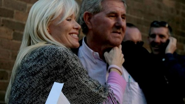 Bob Ell and wife Bridget at a house auction in Sydney's Neutral Bay