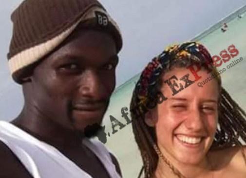 Silvia Romano e il suo amico fisioterapista Alfred Scott fotografati a Mombasa