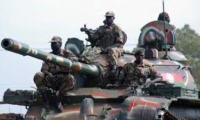 soldati si tank