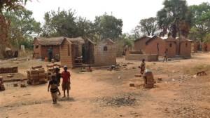 villaggio bruciato