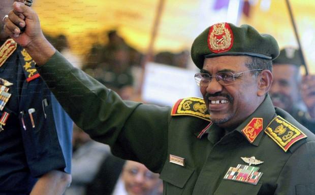 Il presidente Omar Al Bashir contro cui è stato emesso un mandato di cattura dalla Corte Penale Internazionale
