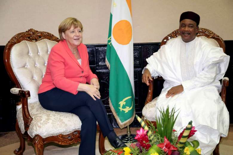 Angela Merkel, cancelliera tedesca e Mahamadou Issoufou, presidente del Niger