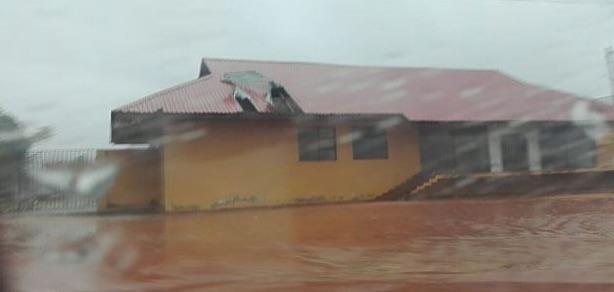 Un momento della tempesta tropicale Dineo in Mozambico
