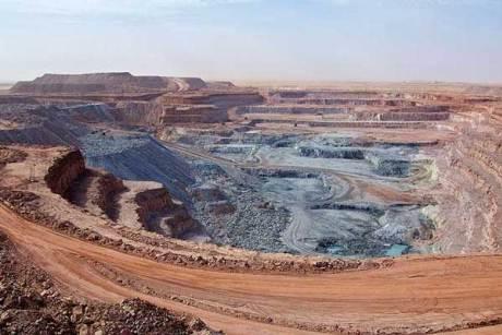 La miniera di uranio della Somair ad Arlit in Niger