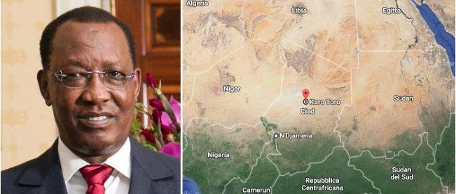 Il presidente del Ciad Idriss Deby e la mappa del Ciad con il luogo della prigione di Koro Toro nel deserto ciadiano