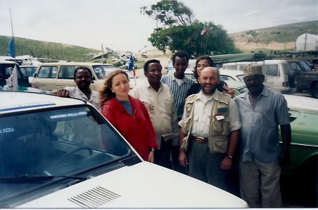 Ilaria Alpi con l'autista Ali e il suo cameraman Alberto Calvi