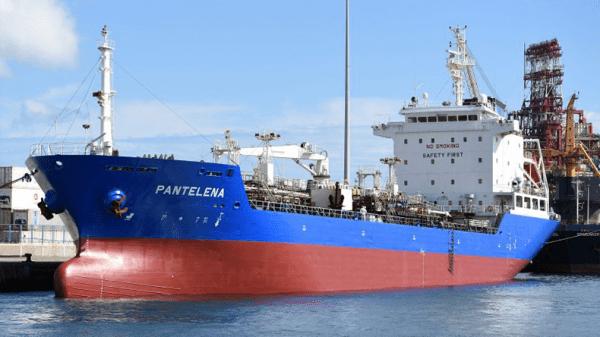 La nave cisterna Pantelena