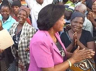 Maria Alice Mabota, prima donna mozambicana che si presenta alle elezioni presidenziali