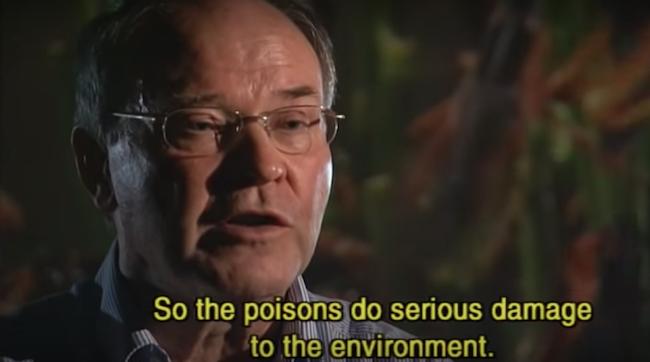 Lo scienziato Hans-Jorg Ferenz, dell'Università di Halle durante l'intervista del documentario