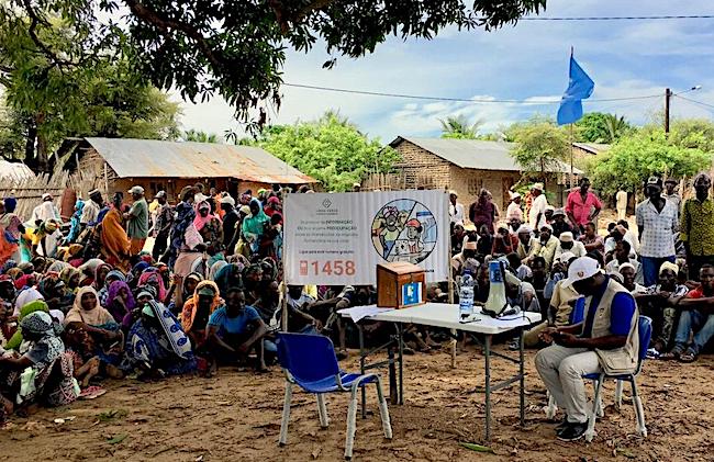 Mozambico, Cabo Delgado, sfollati in attesa di aiuti alimentari (Courtesy UNHCR)