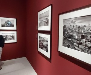 "Dalla mostra ""Exodus"" di Sebastião Salgado: i campi dei profughi ruandesi"