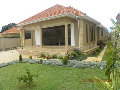 HOUSE IN NAJJERA 1