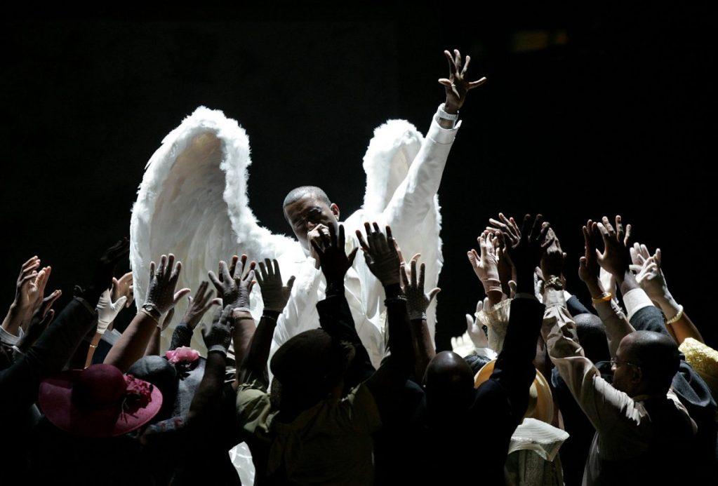 "Avec ""Jesus is King"", Kanye West ressuscite le ""gospel rap"""