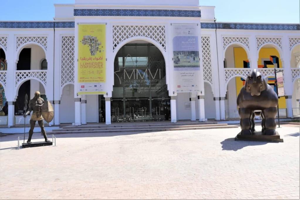 """La Biennale internationale d'art contemporain de Rabat et l'exposition """"Trésors de l'Islam en Afrique"""" dépassent la barre de 100.000 visiteurs"""