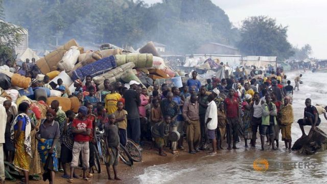 Burundian refugees at Kigoma waiting to be transported to camps