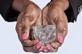 Sierra Leone 700 Carat Diamond Turns Stone-the True Story