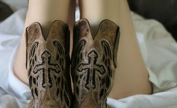 Formschöne teen reitet auf Ihrem geliebten stechen reverse cowgirl Stil