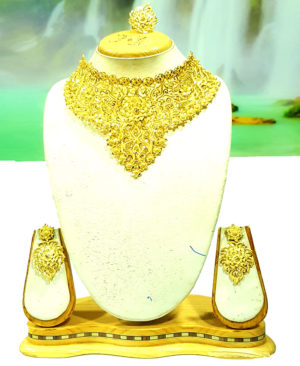Gorgeous Look Choker Design Golden Plated Necklace