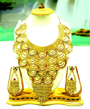 Gorgeous Design Golden Plated Necklace Set