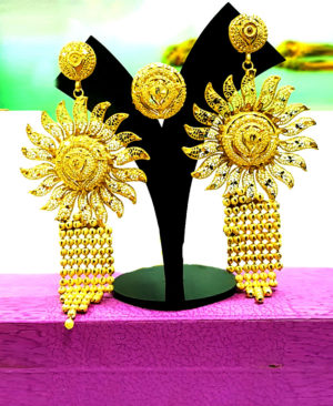 Gorgeous Design Golden Plated Earring Set