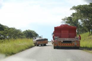 Broken down vehicle en route from Harare to Chirundu border.