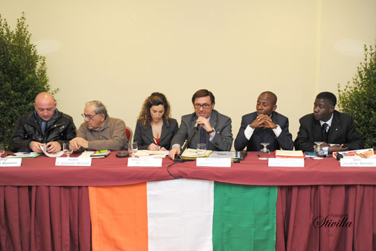 Da sinistra: N.-Mannino,-P.-Mintoff,-S.-Pulvirenti,-C.-Labisi,-A.-Stallone,-J.-De-Mel