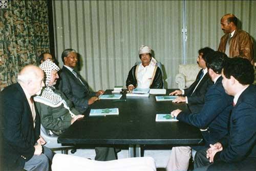 Yasser Arafat, Nelson Mandela, Muammar Gheddafi