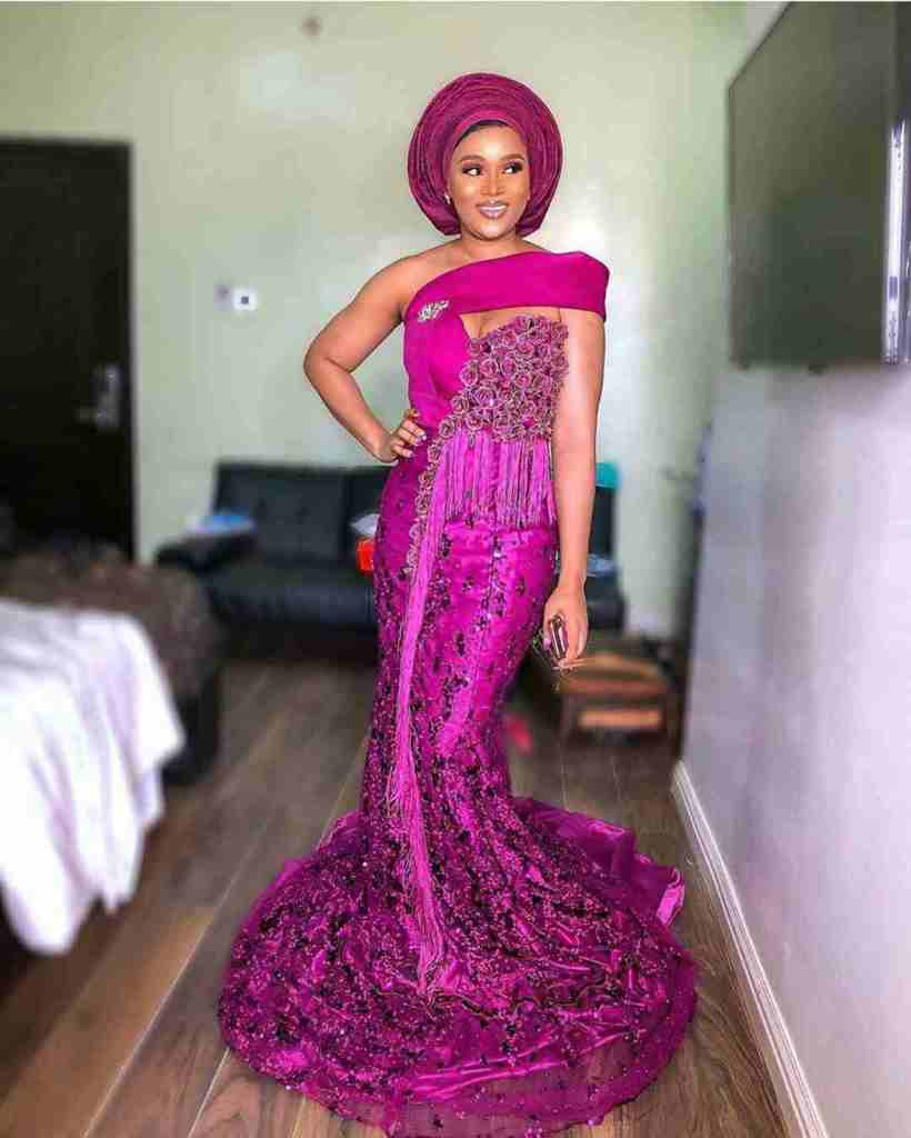 LATEST AND TRENDING NIGERIAN LACE STYLES 2019 21