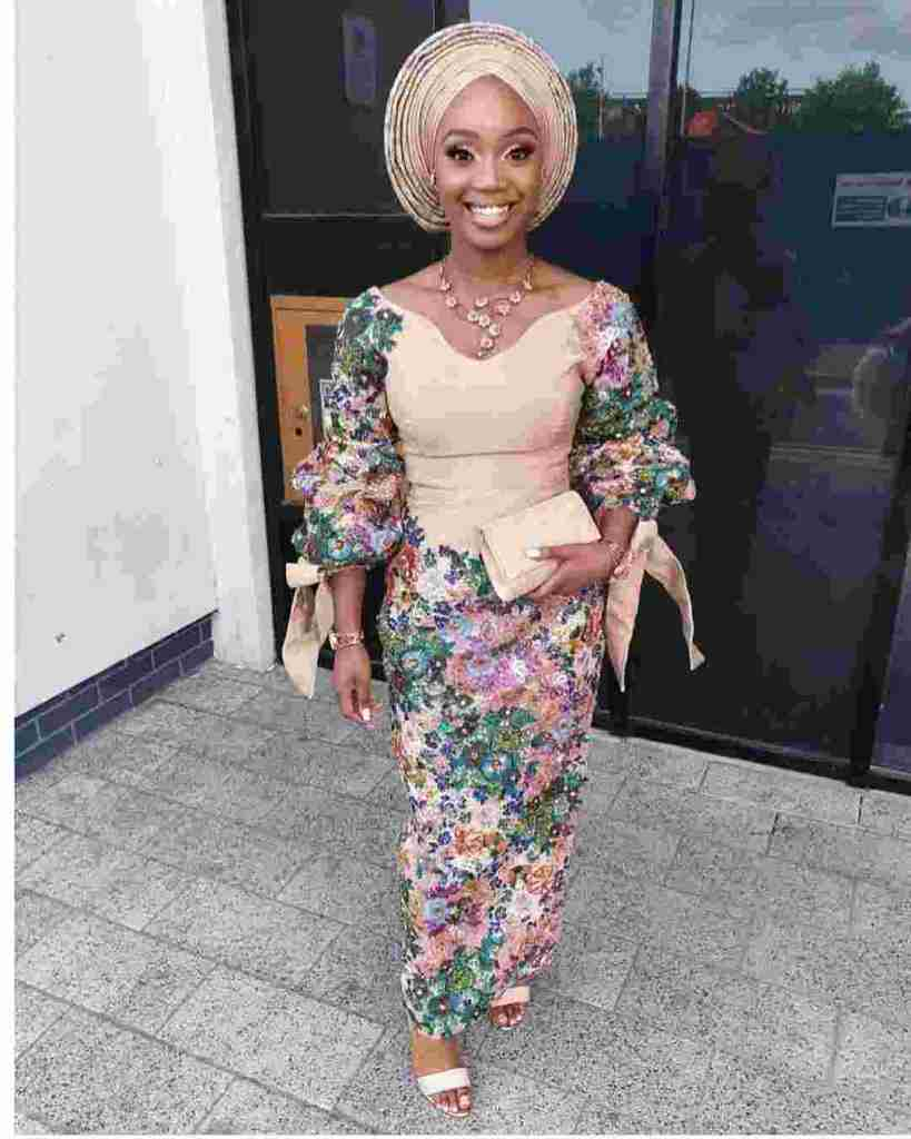LATEST AND TRENDING NIGERIAN LACE STYLES 2019 17