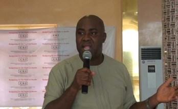 Dr Uzochukwu Amakom
