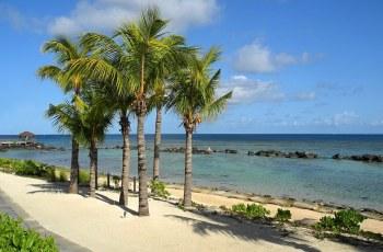 isla mauritia in the southeast coast of indian ocean